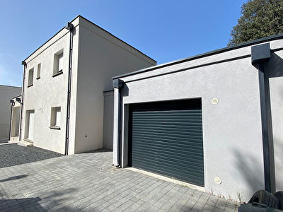 Nages Et Solorgues Villa contemporaine  3 chambres  garage